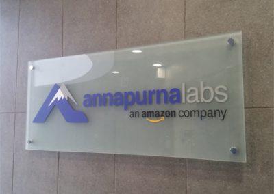 שלט זכוכית עבור חברת אנפורנה