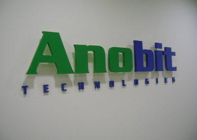 שילוט חברת Anobit